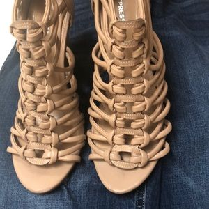 Express wedge tan sandals